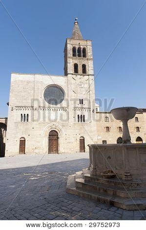 Historic Piazza Silvestri In Bevagna
