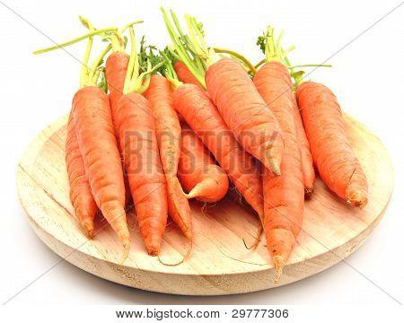 Cenouras em mesa de madeira