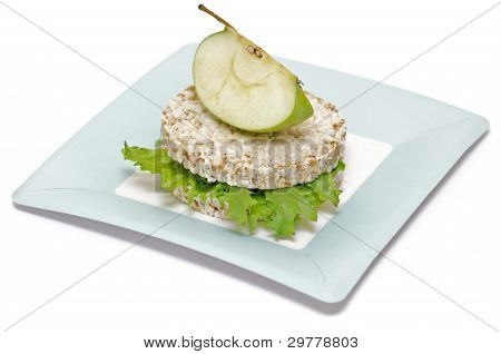 Gramineae Crispbread with Salad leaves