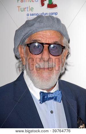 LOS ANGELES - DEC 4:  Lou Adler arrives at