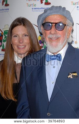 LOS ANGELES - DEC 4:  Paige Hannah, Lou Adler arrives at