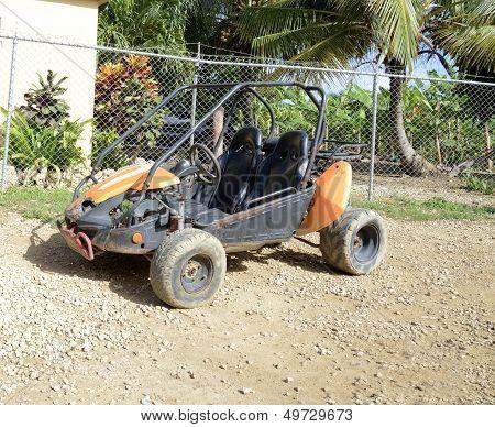 one dune buggy