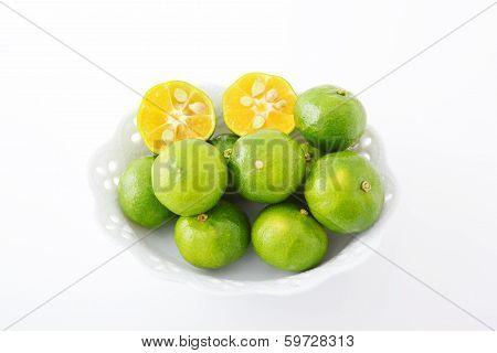 Fresh flat lemons