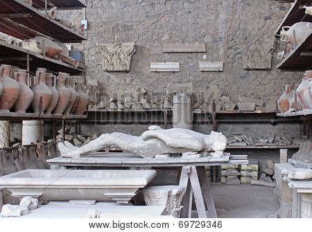 Pompeii Body Cast