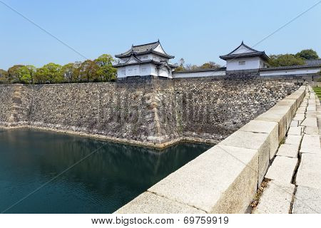 Osaka castle and moat at day