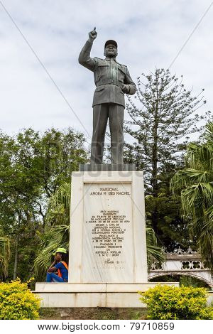 The First Statue Of Samora Moisés Machel