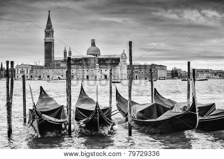 Gondolas In Front Of San Giorgio Maggiore B&w