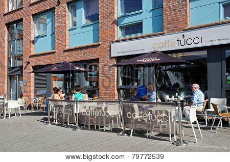 Pavement cafe, Gloucester.