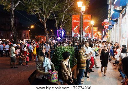 Crowded Urban Scene, Vietnam Holiday