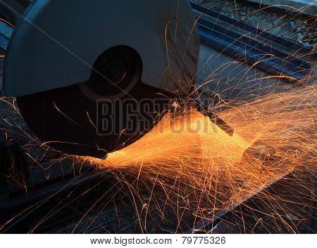 heavy metal grinding in steel industry factory