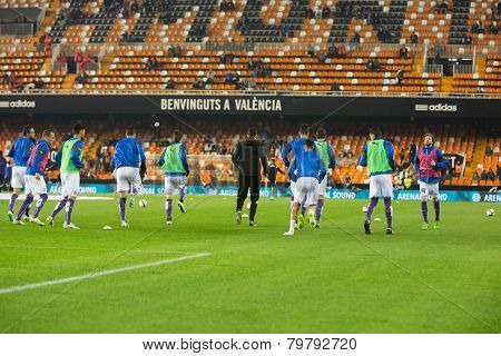 VALENCIA, SPAIN - JANUARY 4: espanyol players during Spanish King Cup match between Valencia CF and R.C.D. Espanyol at Mestalla Stadium on January 4, 2015 in Valencia, Spain