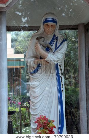 KOLKATA, INDIA - FEBRUARY 10: Statue of Mother Teresa, Loreto Convent where Mother Teresa lived before the founding of the Missionaries of Charity in Kolkata, India on February 10, 2014.