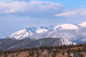 picture of blanket snow  - A snow blanket cover the La Plata Mountains in Durango - JPG