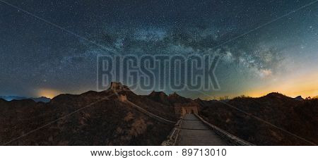 Jinshanling Great Wall Beijing arch bridge over the Milky Way