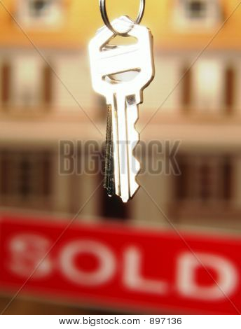 Real Estate Keys To A New Home