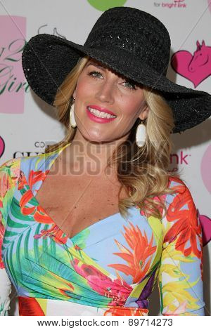 LOS ANGELES - MAY 2:  Marisa Sullivan at the Annual Derby Ladies Luncheon at the Private Location on May 2, 2015 in Westlake Village, CA