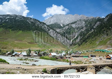 Village In Sonamarg, India Among Mountain Range