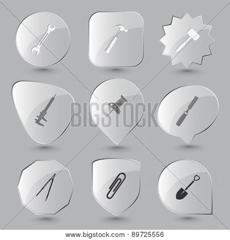 Angularly set. Raster glass buttons.