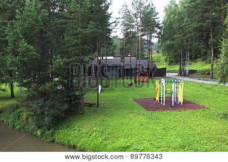 Playground near the Restaurant Beershale