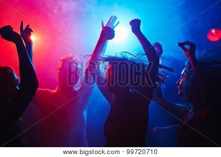 Weariless clubbers getting down at night
