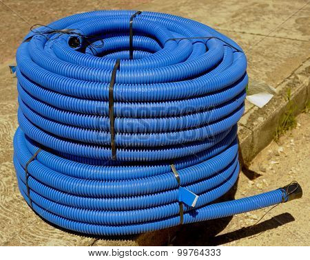 roll of corrugated conduit for microtrench