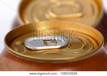 Closed aluminum can with a drink