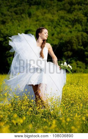 Bride with callas flower