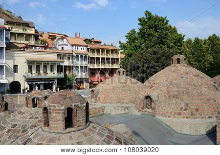 Famous Tbilisi landmarks - medieval sulphur bathes, traditional georgian houses in Abanotubani