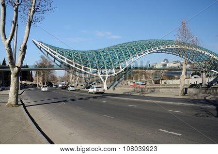 Modern Pedestrian Futuristic Bridge Of Peace Over Kura River Intbilisi,georgia,central Asia