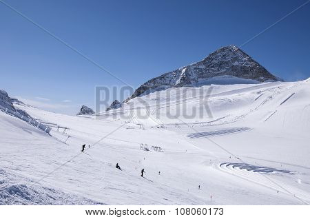 Skiing And Snowboarding On Hintertux Glacier