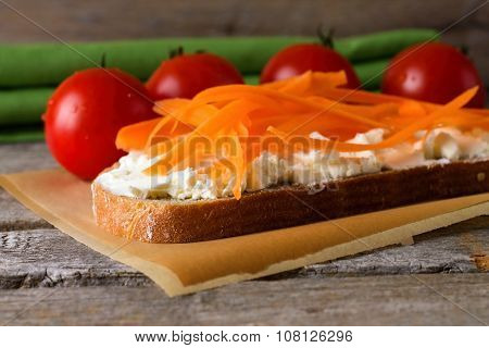 Bread With Cottage Cheese With Cherry Tomatoes