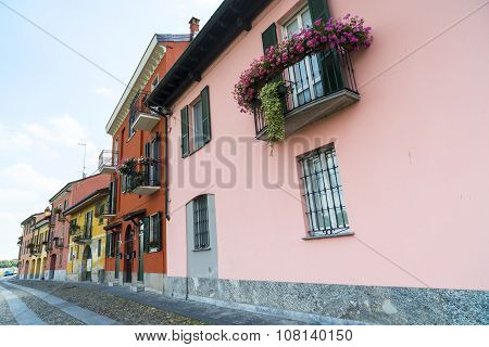 Pavia (italy): Solorful Houses