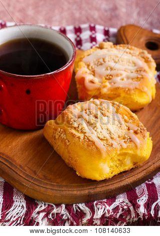 Streusel Pumpkin Sweet Rolls With Glaze