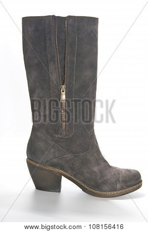 Women's Suede Boots In Country Style On Average Heel..