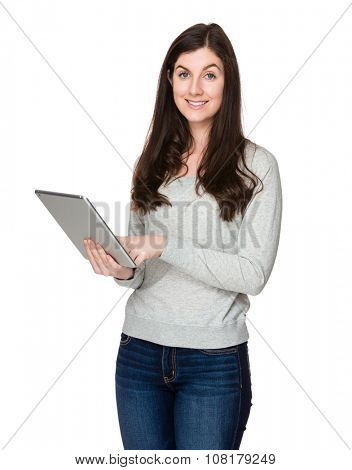 Brunette woman use of the digital tablet