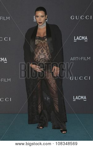 LOS ANGELES - NOV 7:  Kim Kardashian at the LACMA Art + Film Gala at the  LACMA on November 7, 2015 in Los Angeles, CA