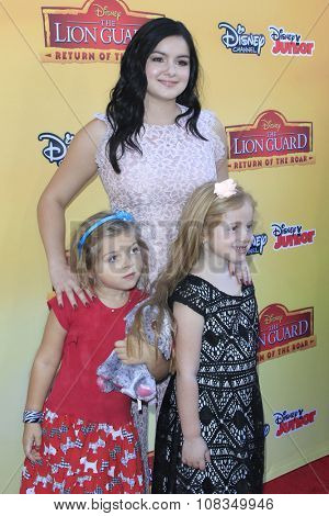 LOS ANGELES - NOV 14:  Ariel Winter, nieces at the