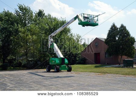 JLG Articulating Boom Lift