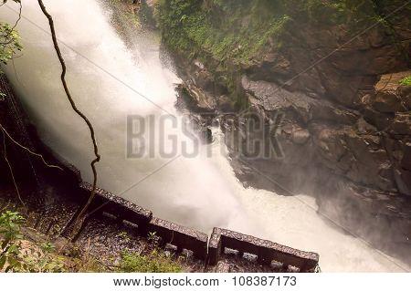 Pailon Del Diablo, Devils Cauldron Waterfall