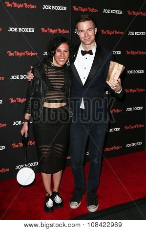 NEW YORK-NOV 16: Musicians Kim Schifino (L) and Matt Johnson of