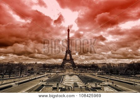 Red sky over Paris