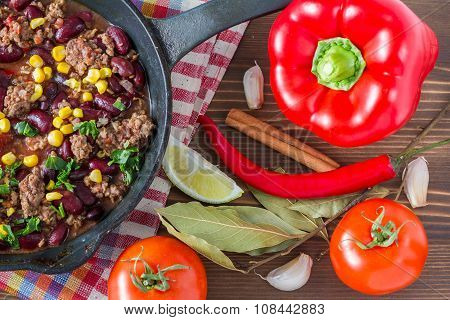 Chili con carne and ingredients