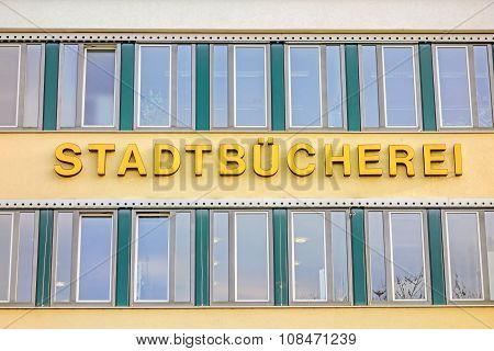 City / Public  Library (stadtbucherei) Lettering