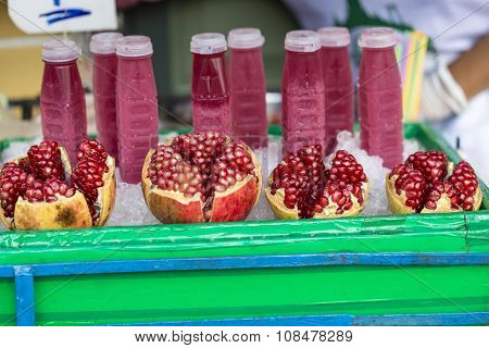 Food Street Pomegranate Raw And Pomegranate Juice In China Town Bangkok Thailand , Selective Focus O