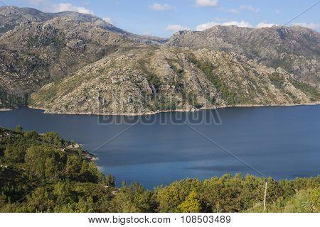 Vilarinho das Furnas damm, Geres National Park, Portugal