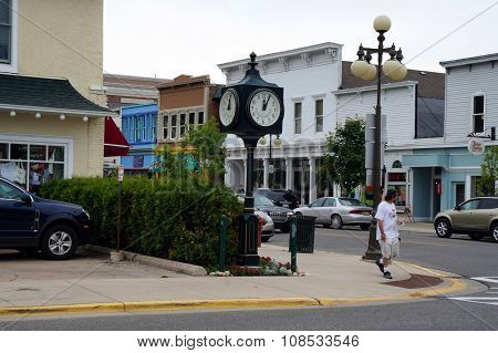 Harbor Springs Clock