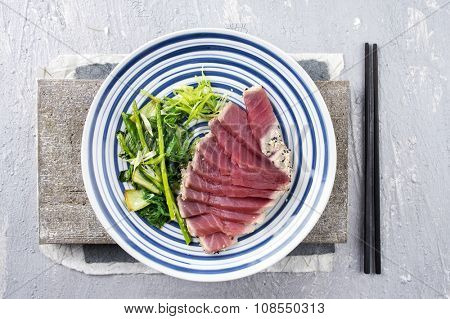 Tuna Tataki with Vegetable and Wakame
