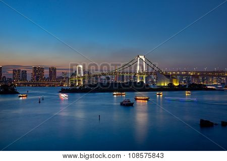 rainbow bridge odaiba tokyo japan important destination to visiting view point