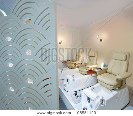 Nails salon pedicure sofa chair in art deco style screen