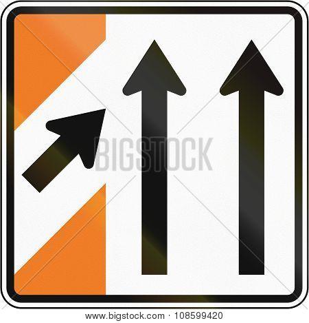 New Zealand Road Sign - Merging Traffic (sign For Major Road)